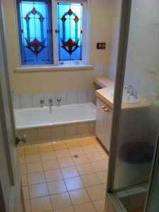 North Perth bathroom BEFORE